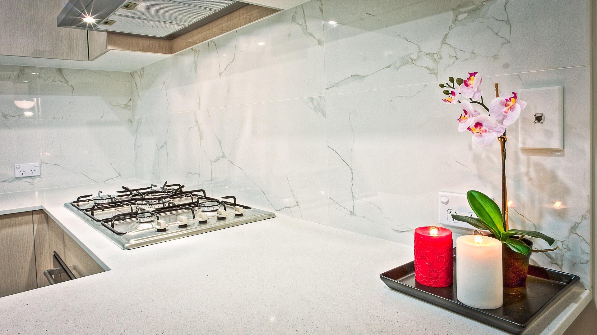 Spieki kwarcowe Laminam, Kerlite - Blat kuchenny z konglomeratu