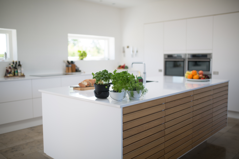 Spieki kwarcowe okładziny drzwi, mebli i stołów